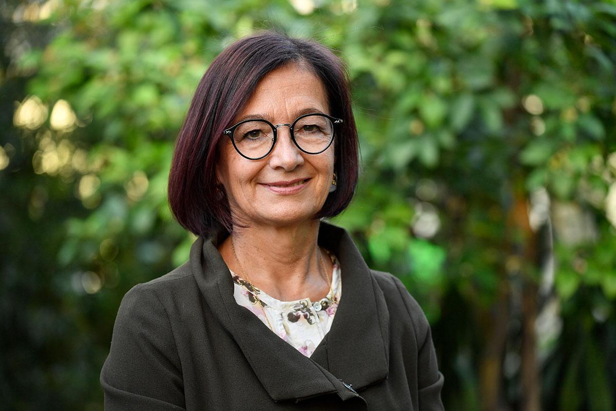 Porträtfoto von Yvonne Gilli Präsidentin der Ärzteverbindung FMH