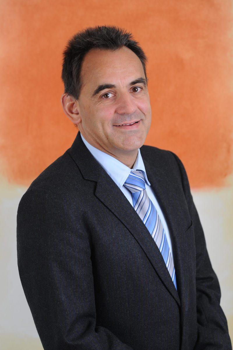 Porträtbild Dr. Markus Leser, Leiter Fachbereich Menschen im Alter bei CURAVIVA